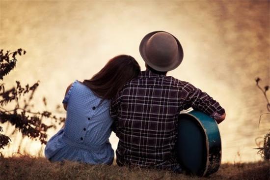 Chọn một người chín chắn, trưởng thành có bờ vai vững chắc để yêu.
