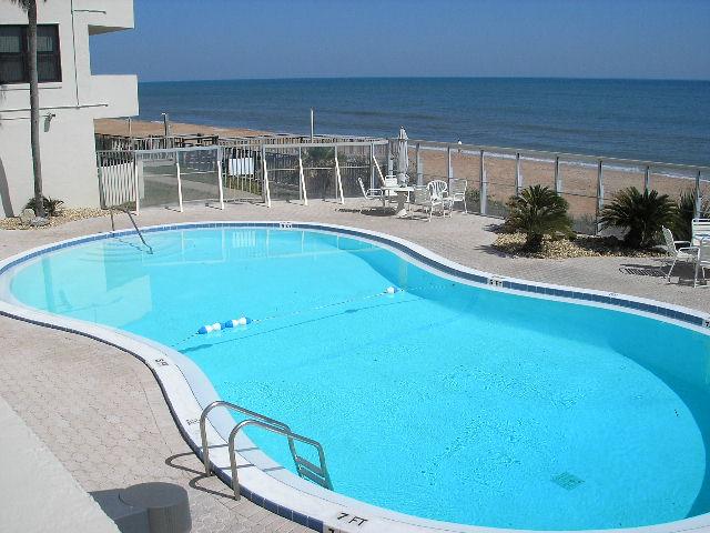 Regency Plaza condo pool