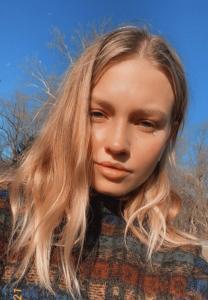Kelsie Kimberlin Looking Radiant Outdoors