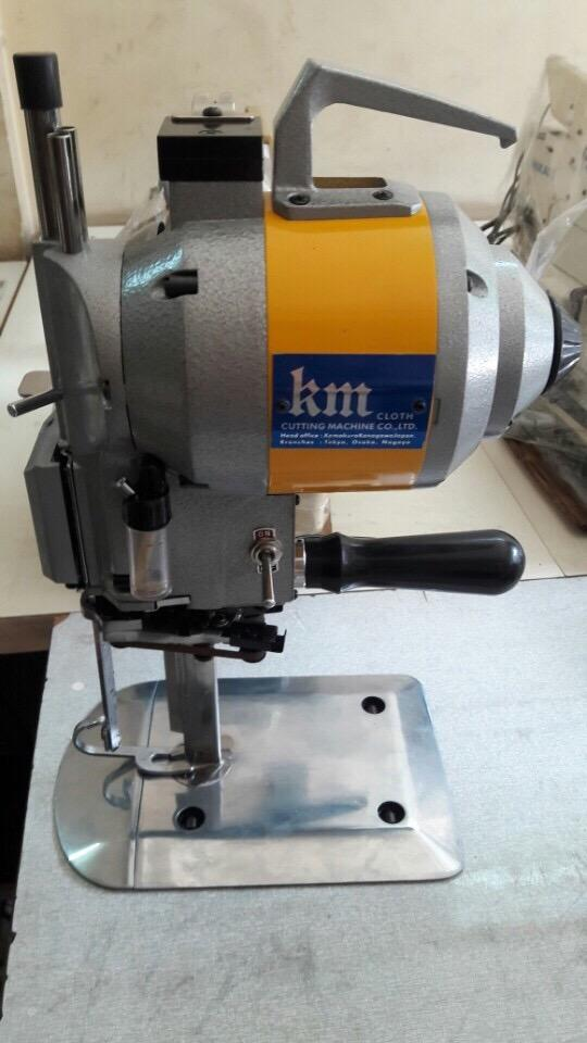 Giá máy cắt vải từng loại trên thị trường hiện nay