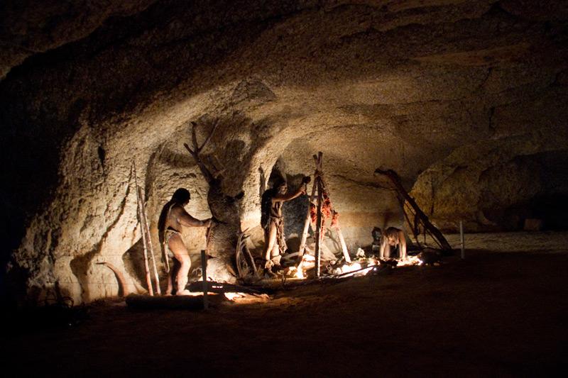 http://www.tinet.cat/portal/uploads/Les-Coves-de-L_Espluga---Escena-02_20120131094934