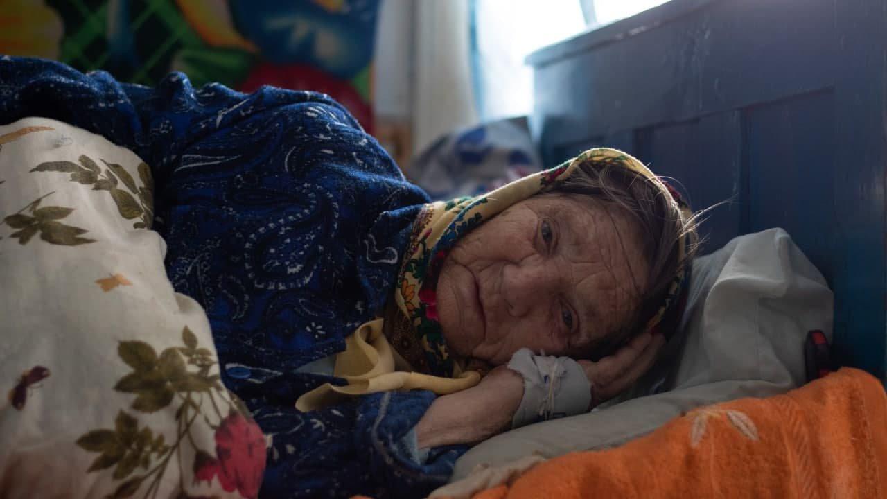 86-річна Василина Якіб'юк рідко зводиться з ліжка