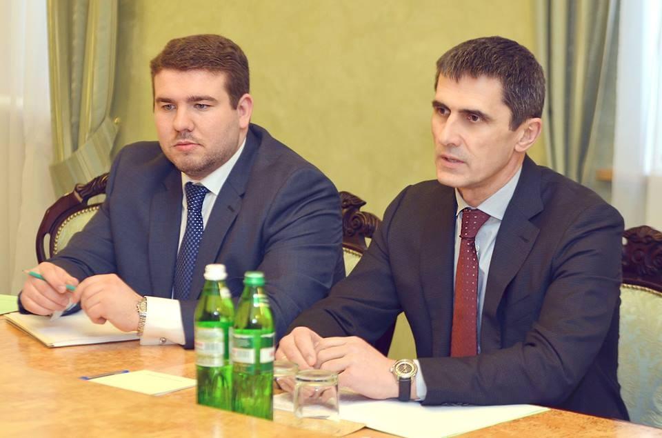 Екс-третій секретар посольства України у США Теліженко та колишній очільник ГПУ Ярема