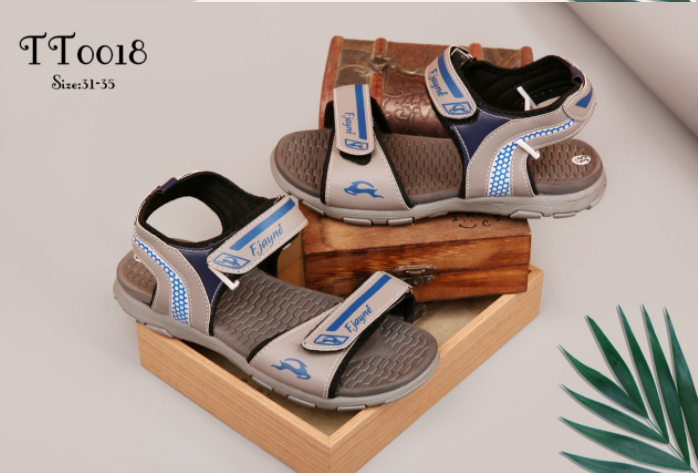Tìm kiếm xưởng sỉ giày dép trên thị trường hiện nay