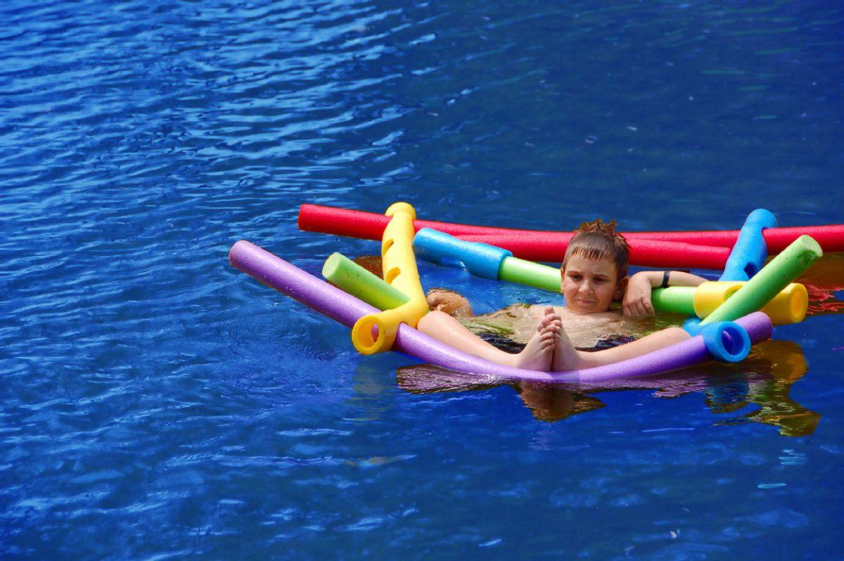 Нудлс для плавания