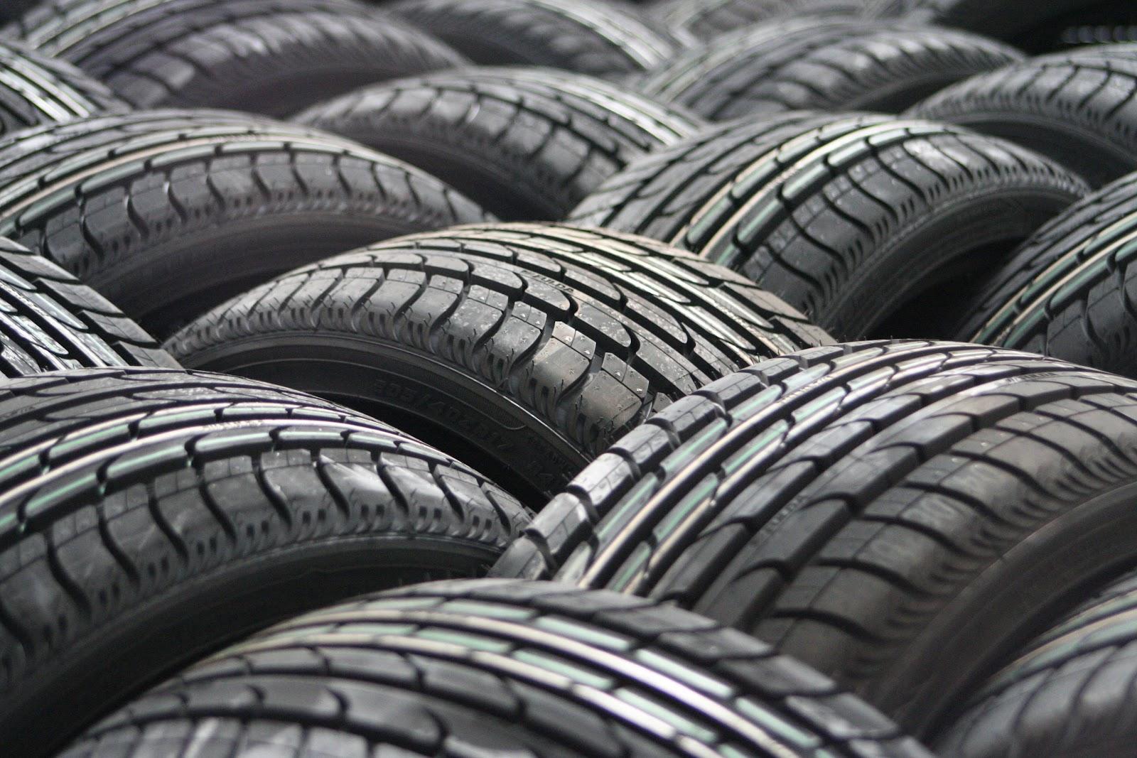 car-tyres-63928.jpg