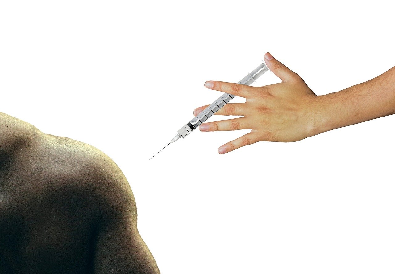 According to UK Scientist, Russia's COVID-19 Vaccine Requires Further Testing
