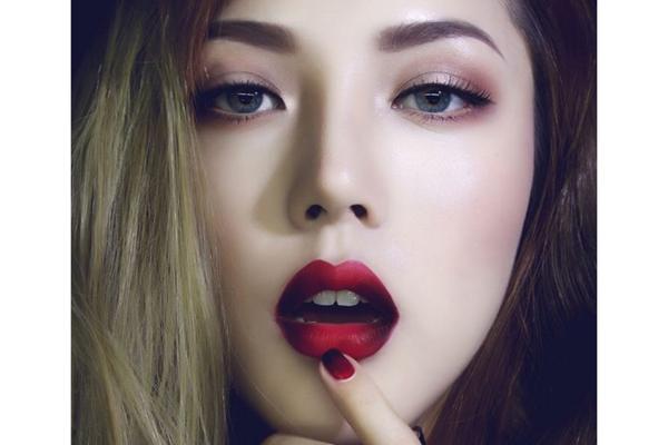 phu-thuy-make-up-pony-huong-dan-cach-trang-diem-mat-khoi-2.jpg