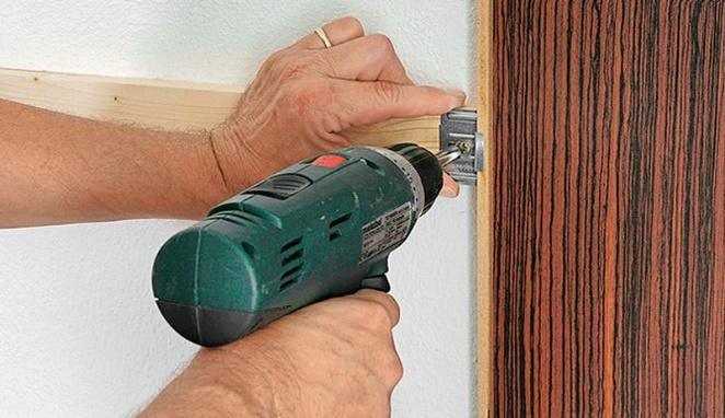 Закрепление ламината на деревянном каркасе с помощью кляймеров
