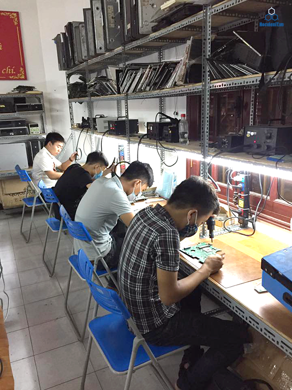 hoc-sua-chua-laptop-online-2
