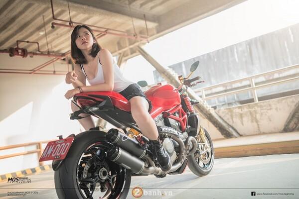 Ducati Monster 1200S độ chất lừ bên cạnh cô nàng cá tính 5