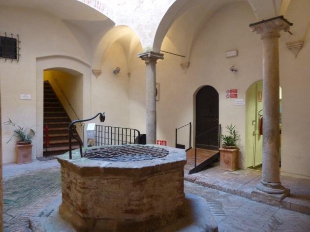 C:\Users\Gonzalo\Desktop\Documentos\Fotografías\La Toscana\103_PANA\103_PANA\P1030490.JPG