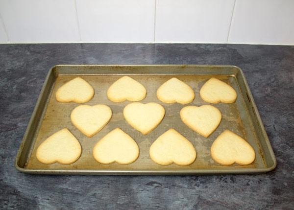 cookies 6 طرز تهیه شیرینی قلبی روز ولنتاین + آموزش تهیه کوکی قبلی و عاشقانه