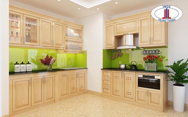 Tủ bếp góc chéo gỗ tự nhiên