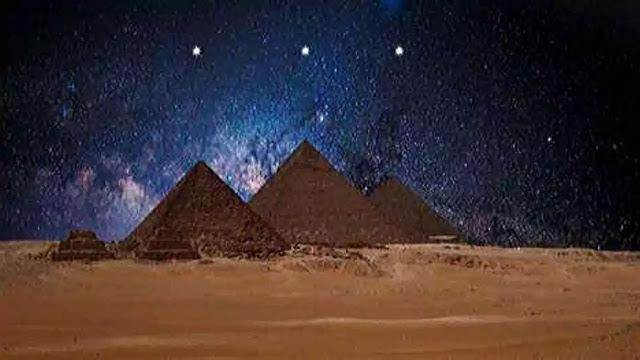 Orion Belt constellation and the pyramids
