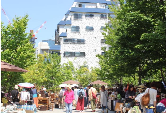渋谷の蚤の市の様子