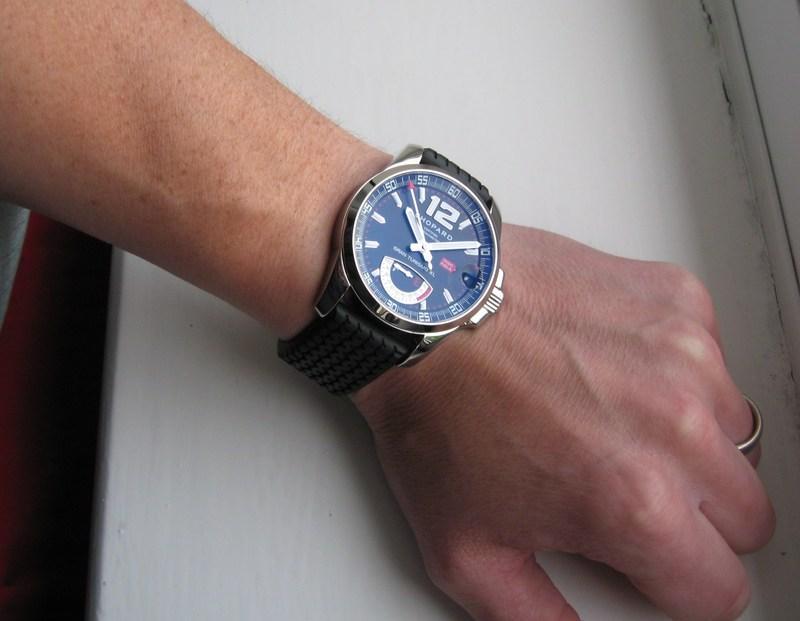 http://img706.imageshack.us/img706/4852/wristshot1.jpg