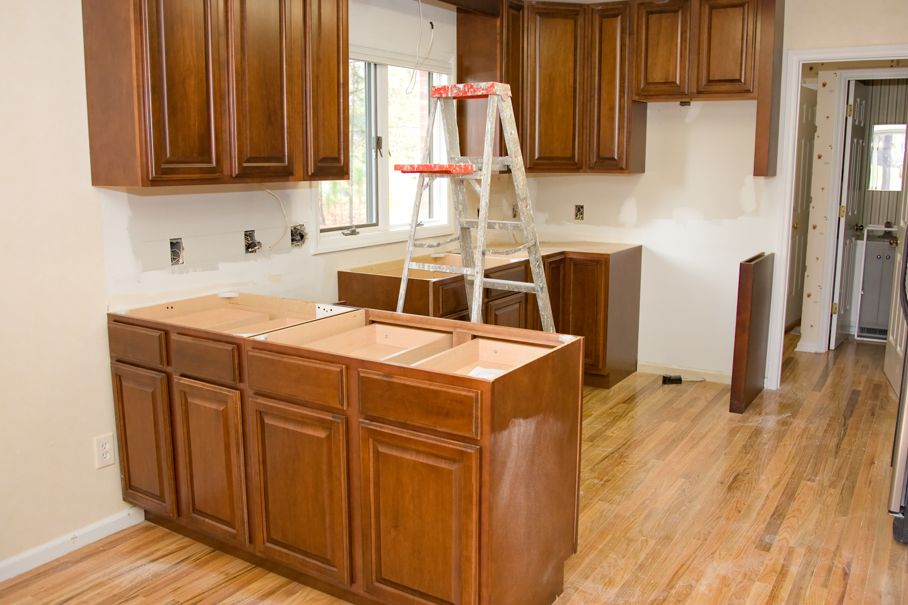 Best Ideas to Upgrade Your Old Kitchen Cabinets 4