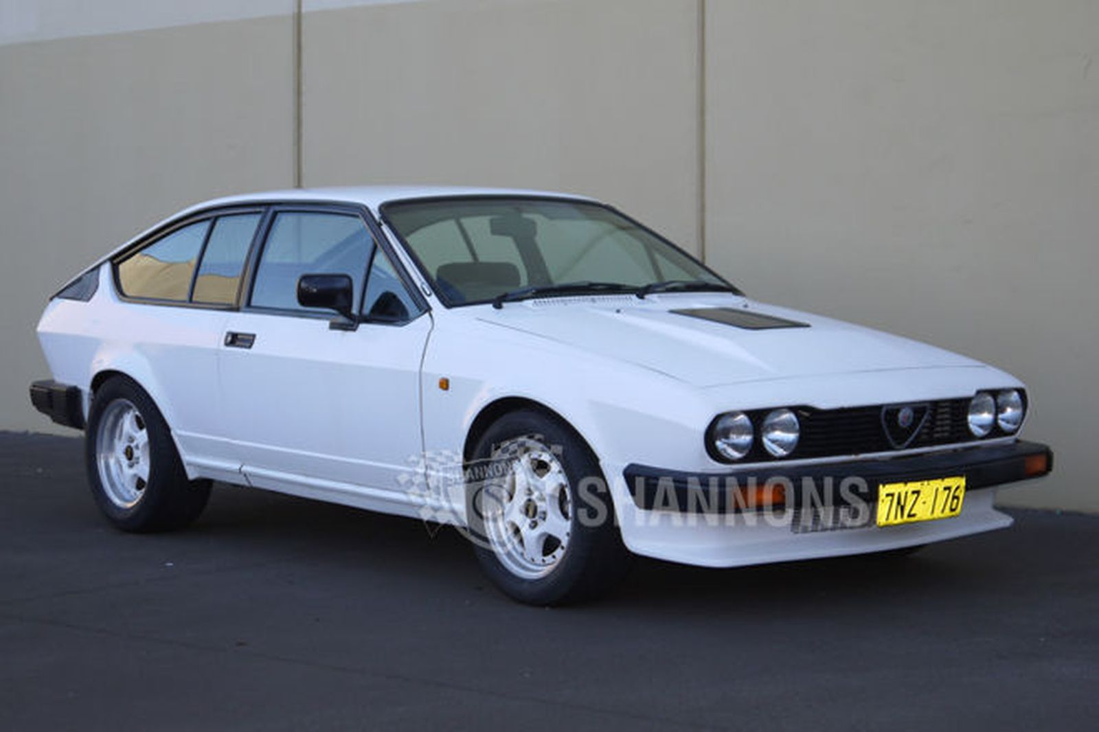 https://www.shannons.com.au/library/images/auctions/Q6R4F8F4C2Z5S5U8/1600x1066/1983-alfa-romeo-gtv6-coupe.jpg