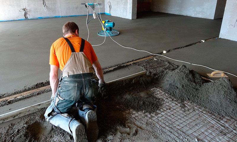 Advantages and disadvantages of semi-dry screeds