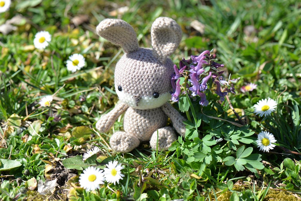 easter-bunny-1286796_1280.jpg