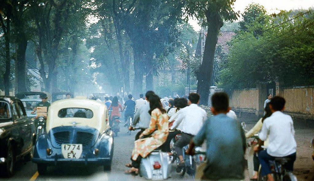 60 tấm ảnh màu đẹp nhất của đường phố Saigon thập niên 1960-1970 - 23