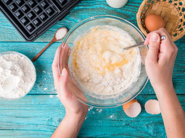 A változatos reggeli része egy finom gofri vagy palacsinta is.