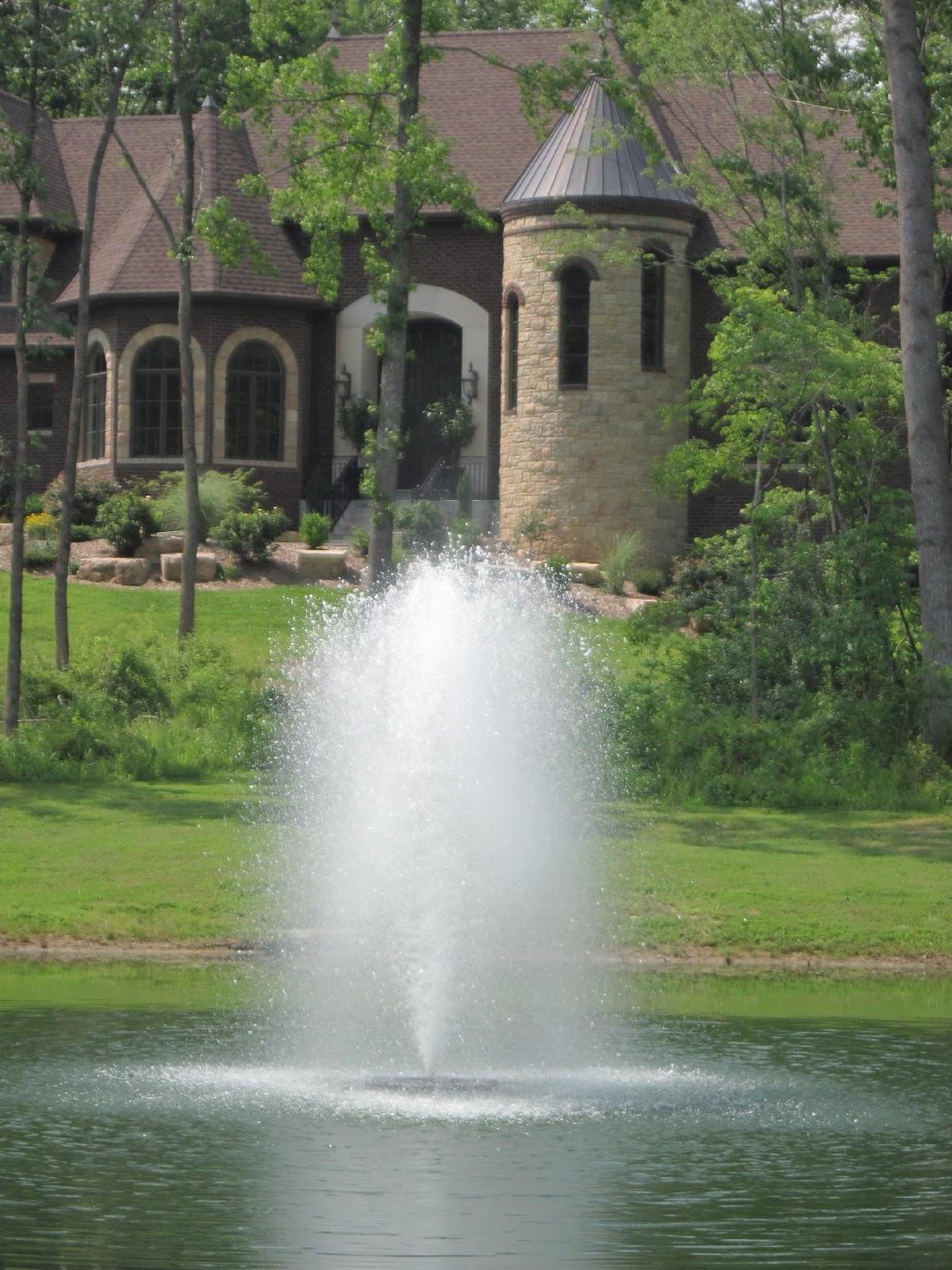 Decorative fountain pattern