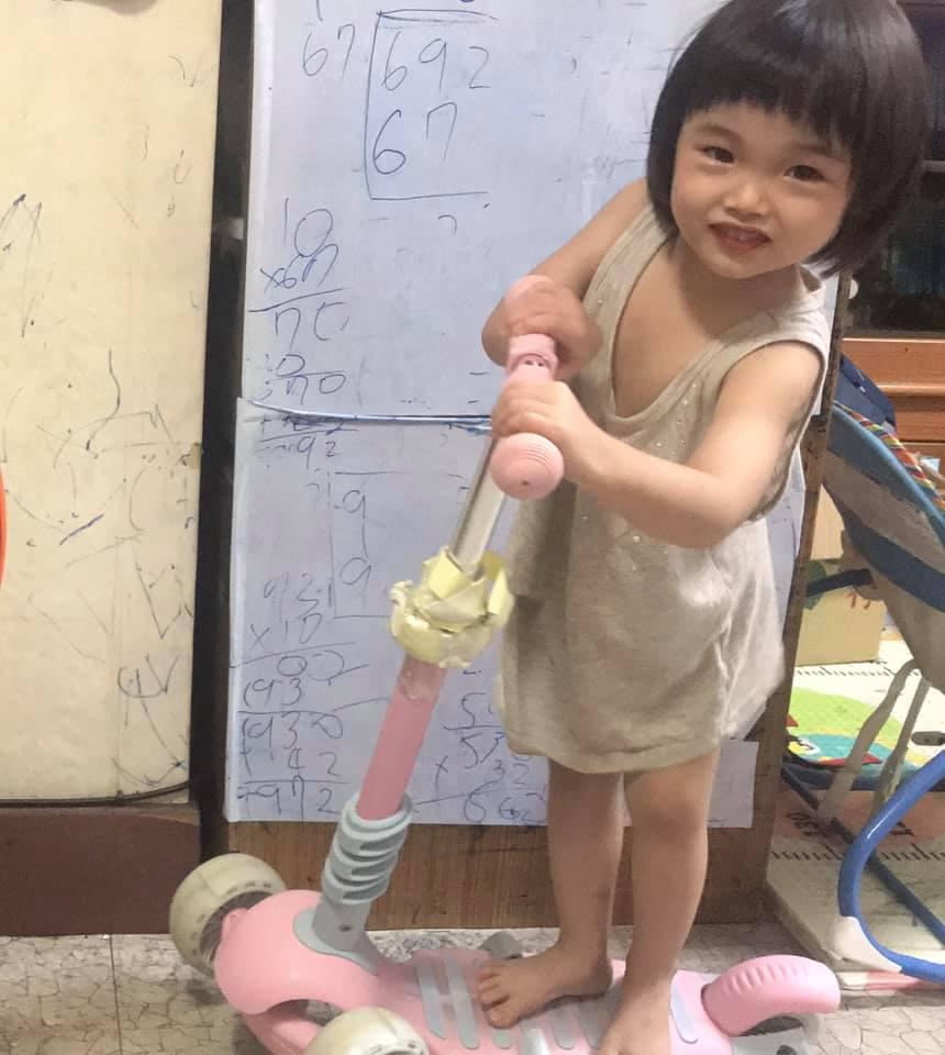 坐立兩用式兒童滑步車