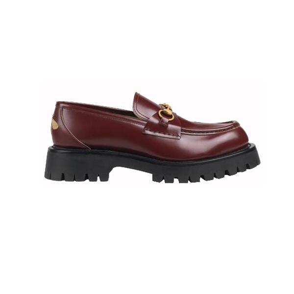 Tìm hiểu về 2 mẫu giày được yêu thích nhất hiện nay