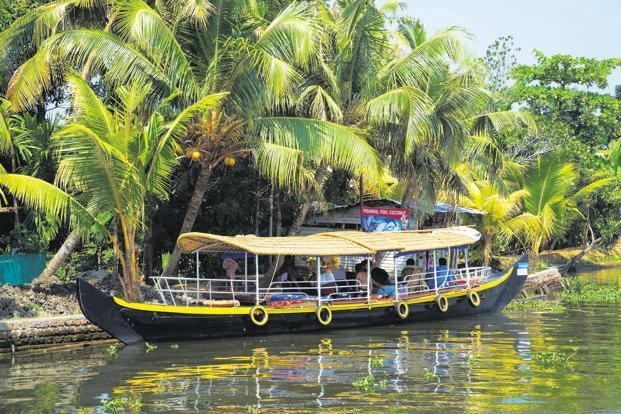 Have A Relaxing Trip By Considering Goa And Kerala Tour Packages