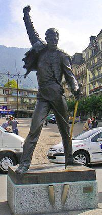 Estátua de Freddie Mercury em Montreux, Suíça.