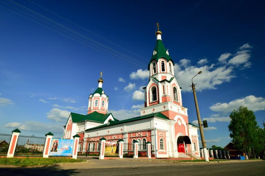 http://sobory.ru/pic/17950/17964_20140722_010351.jpg