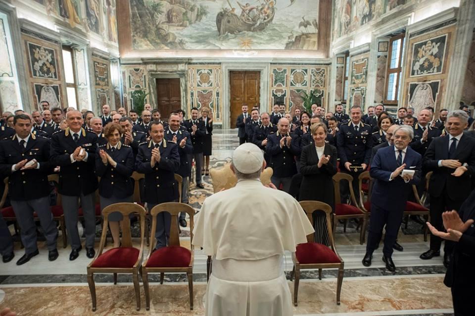 Đức Thánh Cha cảm ơn những nhân viên an ninh của Vatican