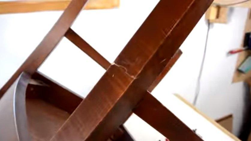 sửa ghế gỗ gãy chân 3
