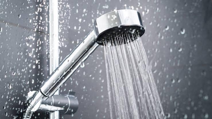 2. ฝักบัวมือ (Hand Shower)