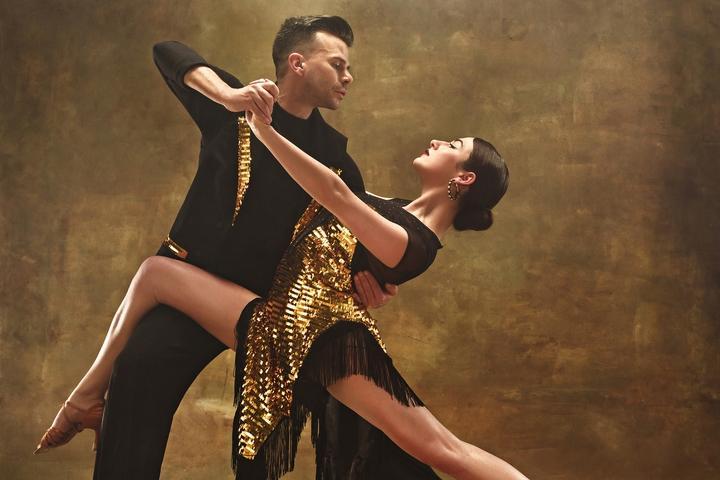 http://www.haleysdailyblog.com/wp-content/uploads/2018/07/Ballroom-Dance-201807-001.jpg
