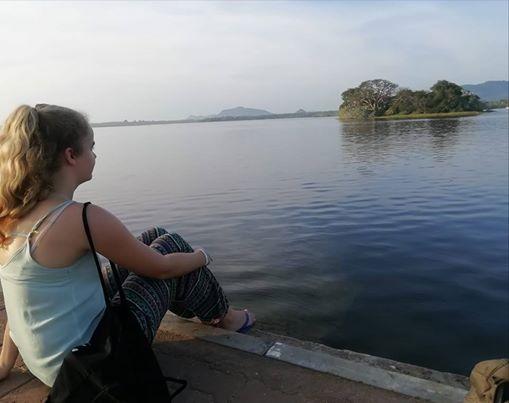 Afbeelding kan het volgende bevatten: een of meer mensen, lucht, buiten, water en natuur