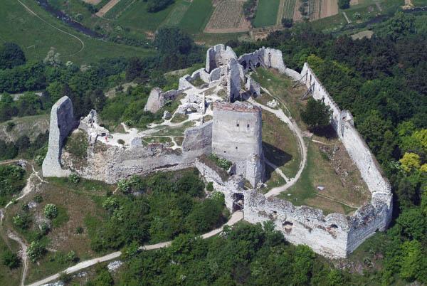 ตำนานสยองขวัญทั่วโลก : ตำนานผีดูดเลือด หรือ Elizabeth Bathory แห่งปราสาท Cachtice Castle 02