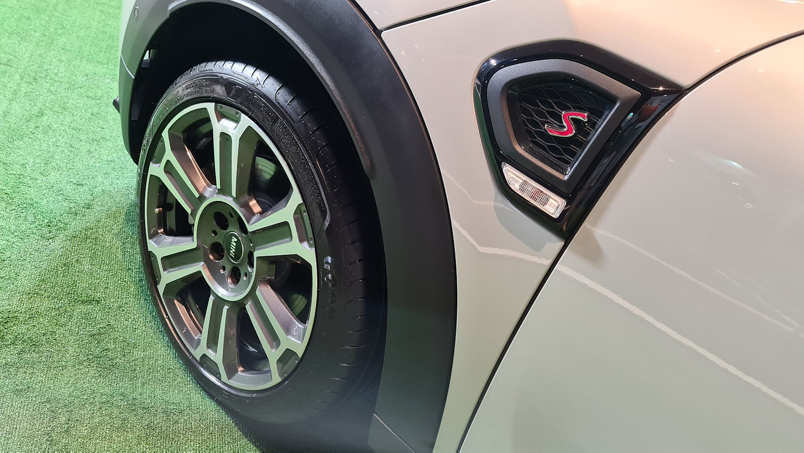 2021 MINI Cooper S Countryman tyre