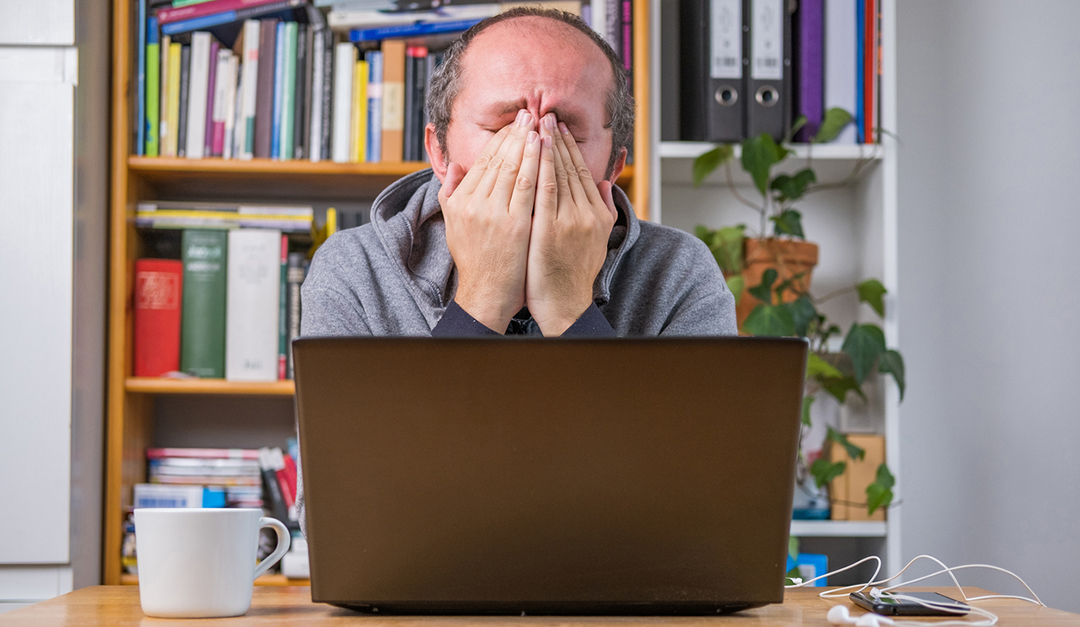 Man in frustration for not getting Ecommerce sales