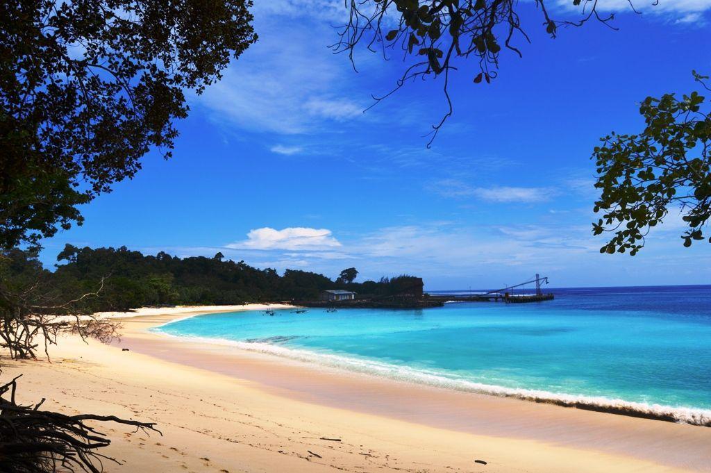 Pantai Laguna Samudra - tukangpantai