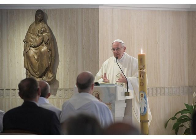 Đức Thánh Cha dâng Lễ: 'Dẫn dắt dân Chúa với lòng khiêm nhường'
