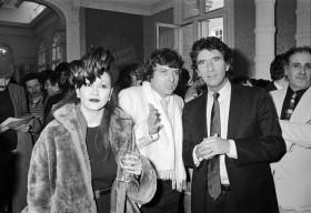 983, première visite du Ministre de la Culture, Jack Lang au festival ; à gauche, Sapho, à droite, Maurice Pollein, président de l'Association Printemps de Bourges de 1982