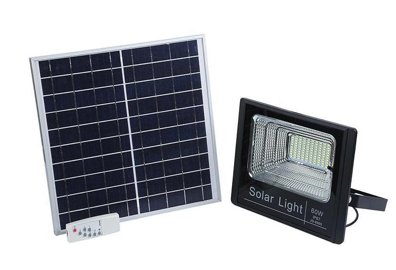 Đèn pha năng lượng mặt trời 50W ngoài sân
