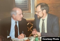 Директор Русской службы Владимир Матусевич и Марк Помар, 1980-е.