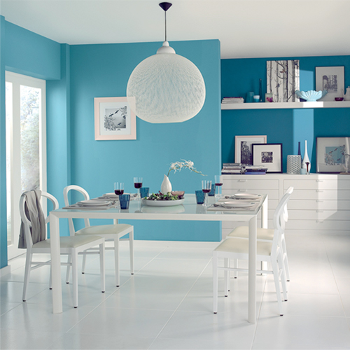 Make an Impressive Dining Room Wall with Your Favorite Color
