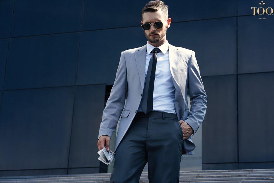 Sơ mi trắng có túi nam kết hợp với áo vest