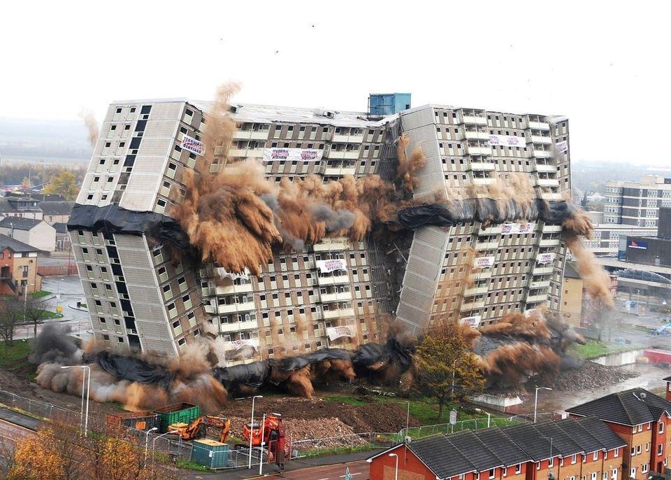 """Госдума приняла закон, допускающий снос неаварийного жилья и решение имущественных вопросов """"большинством голосов"""""""