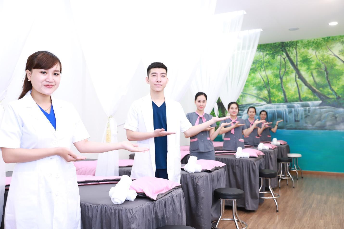 Lễ ký kết hợp tác giữa trường trung cấp Future Việt Nam với Công ty Cổ Phần Ds.Care - Ảnh 3